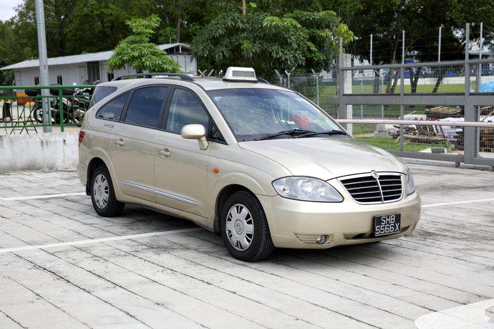 SMRT Ssangyong Rodius- Taxi