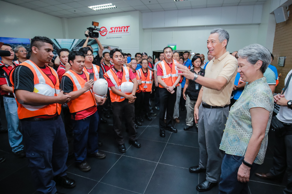 PM Lee speaks to the staff at SMRT