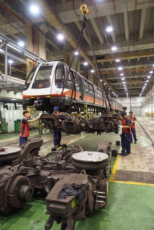 SMRT CCL Alstom Metropolis C380 maintenance